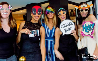 Photo Booth Melbourne – Everyone Loves The Mirror Photo Booth