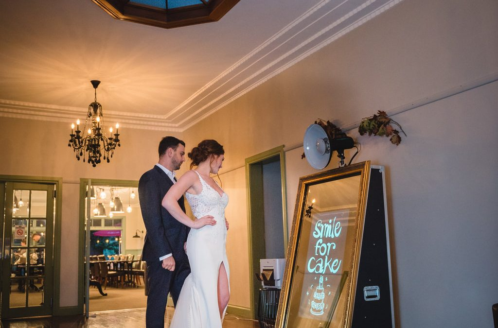 Wedding Photo Booth – Wedding Photo Shoot at Oscar's On The Yarra