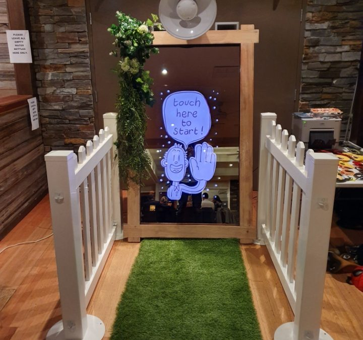 Wedding Photo Booth Yarra Valley – Weddings With The Mirror Booth